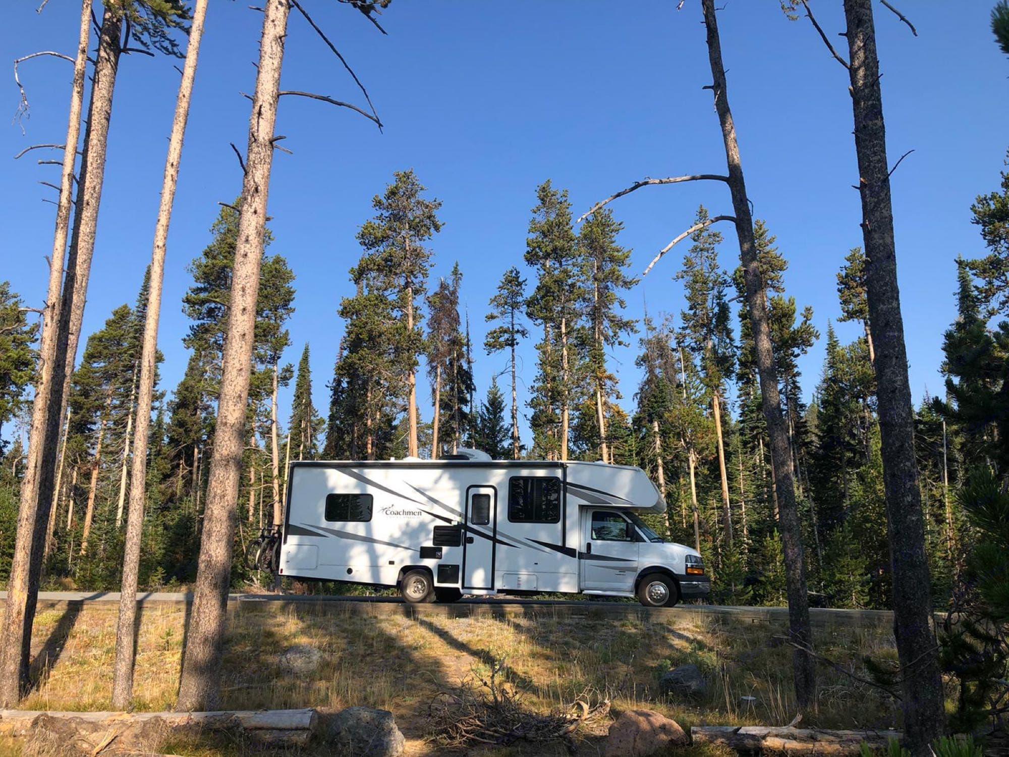 Our Glam Camp at work.. Chevrolet Freelander Coachmen 2020