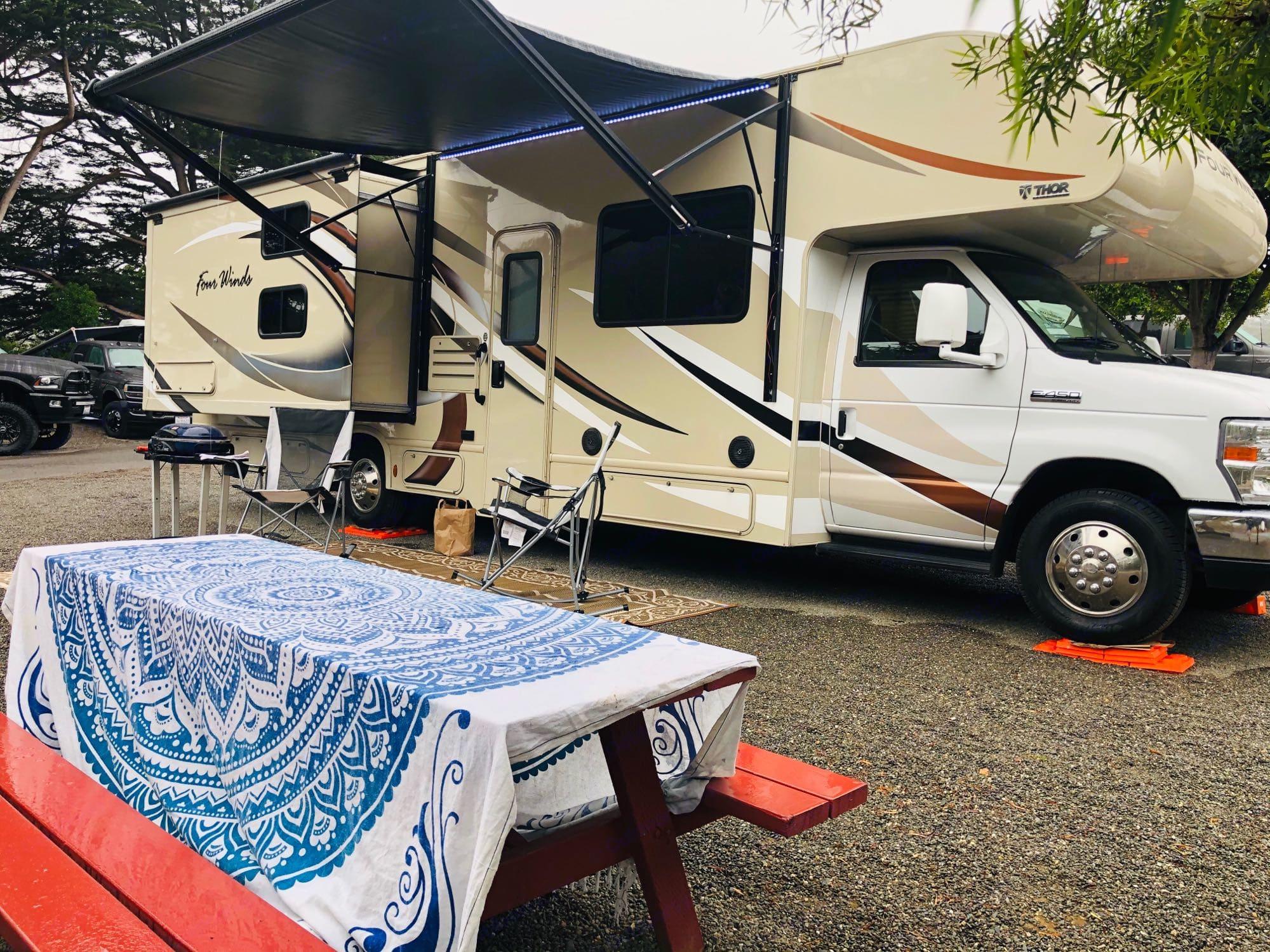 Outside Passenge. Thor Motor Coach Four Winds 2019