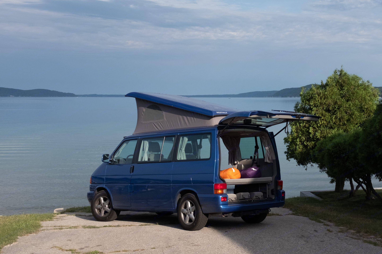 Crystal Lake in Michigan. Volkswagen Eurovan Westfalia 2002