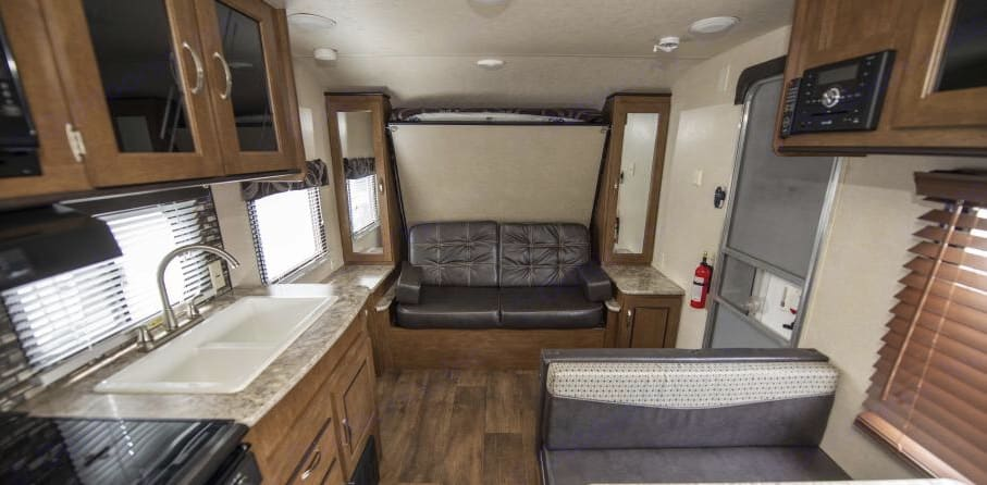 Couch/Murphy bed. Forest River Salem Cruise Lite 2017