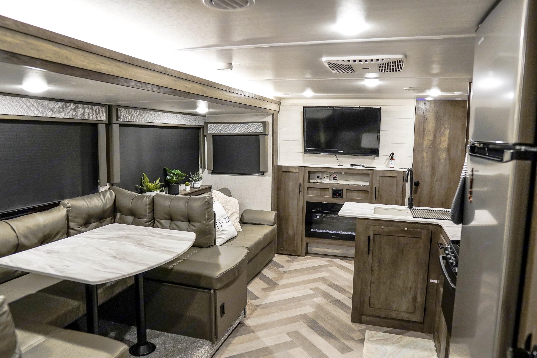 Big Living room. Forest River Wildwood X-Lite 2021
