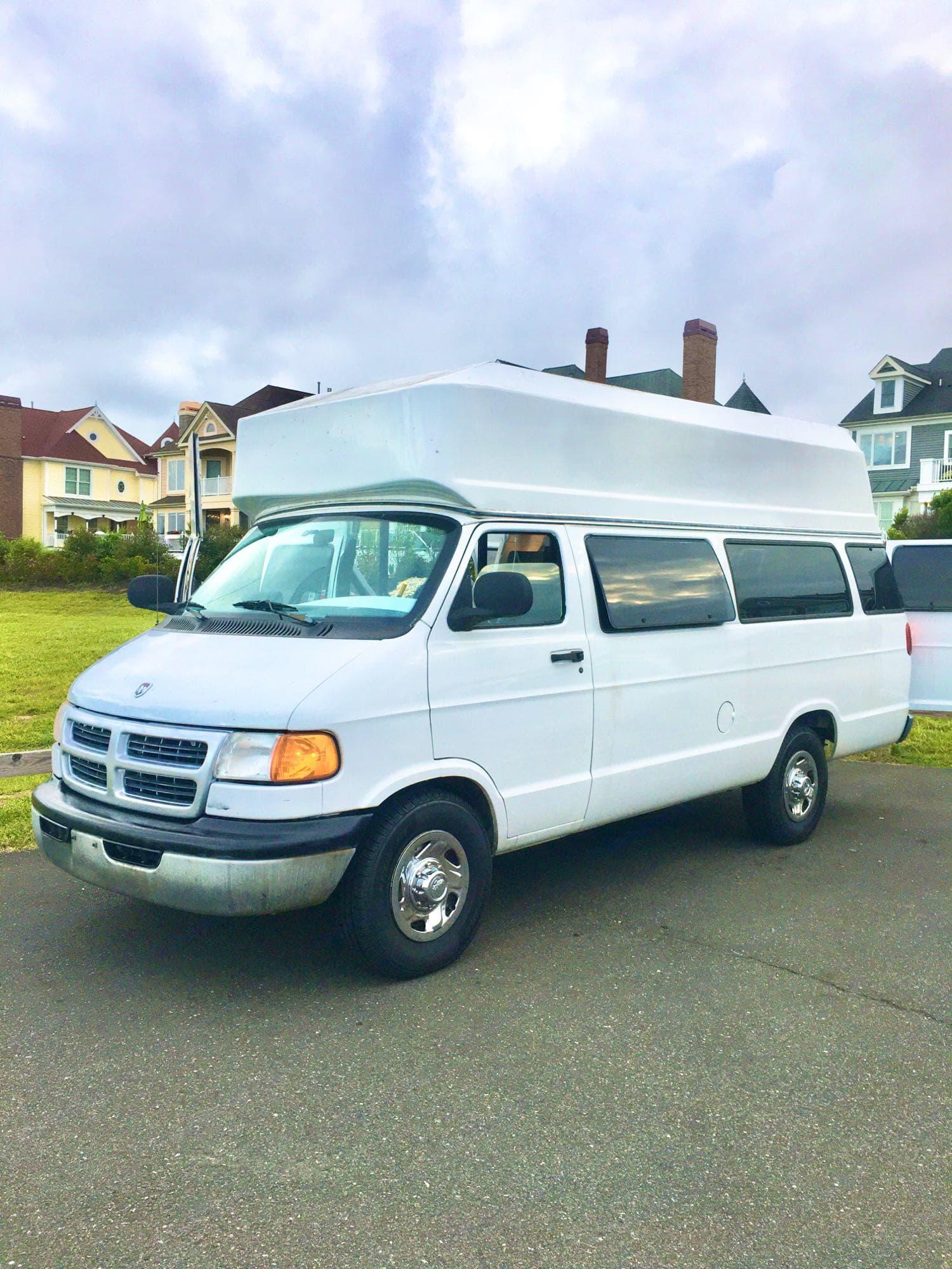 Dodge B Van 1999