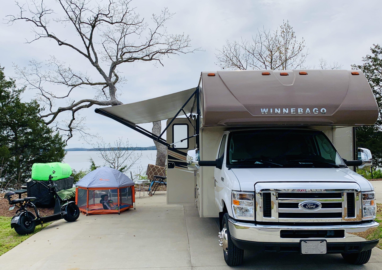 Camping anywhere. Winnebago Winnebago 2019