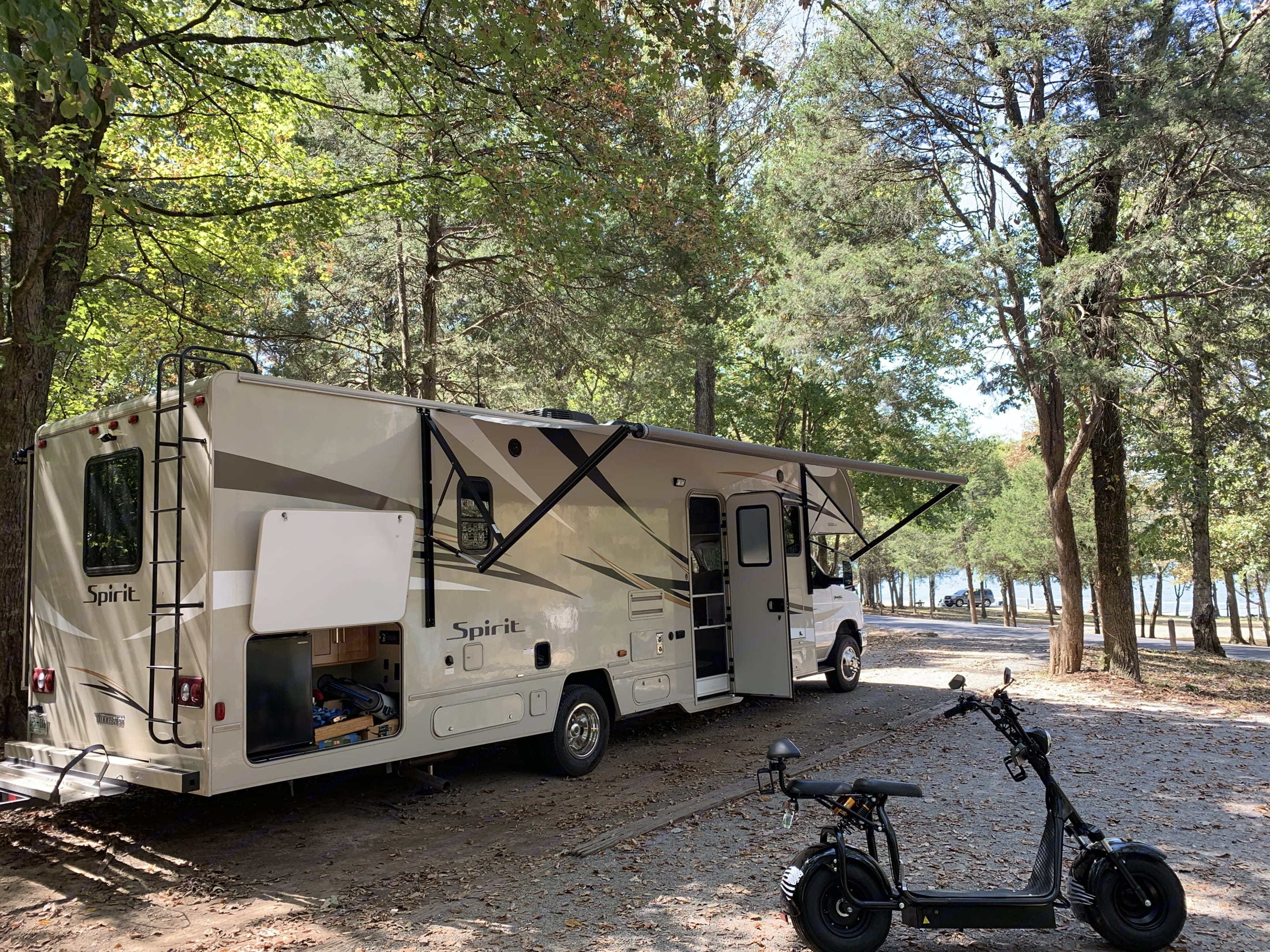 32 Feet with Outdoor Awning, Outdoor entertainment (TV, Bluetooth Stereo, Refrigerations) Outdoor package available.. Winnebago Winnebago 2019
