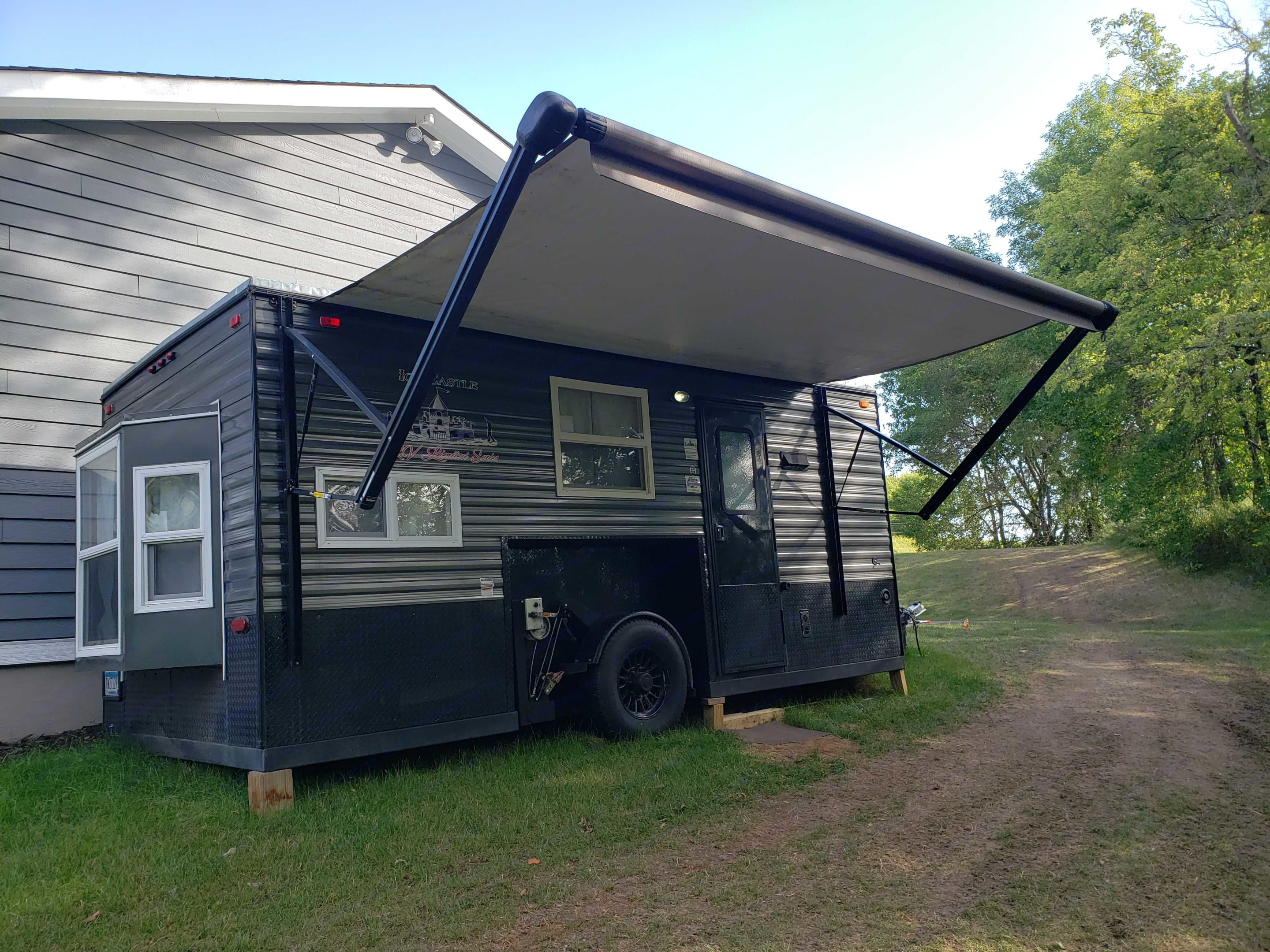 Ice Castle Fish Houses Rv Edition Standard 2017