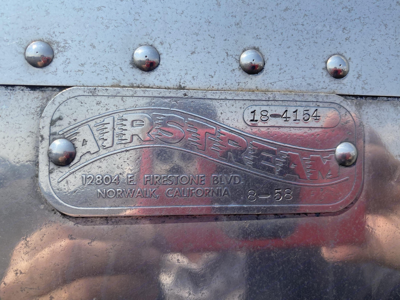 Badge Tag. Airstream Globetrotter 1958