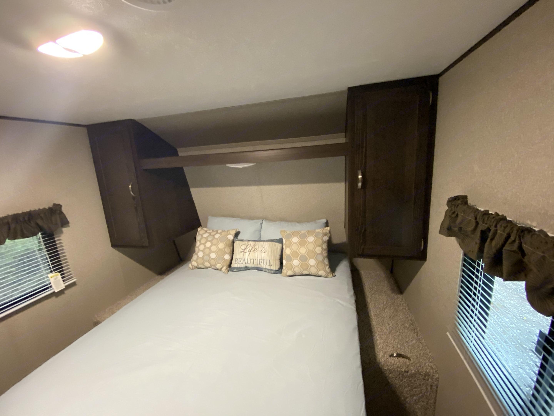 Queen bed with privacy door. Keystone Summerland 2018