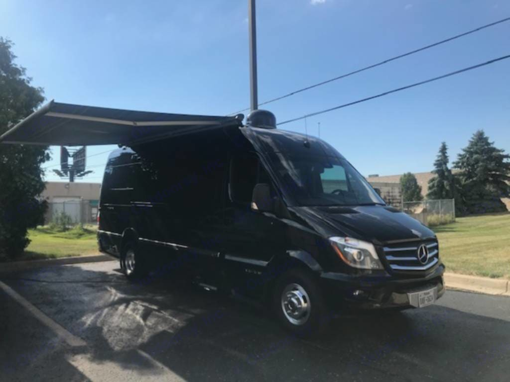 power awning with wind sensor for automatic retract. Airstream Interstate 2014