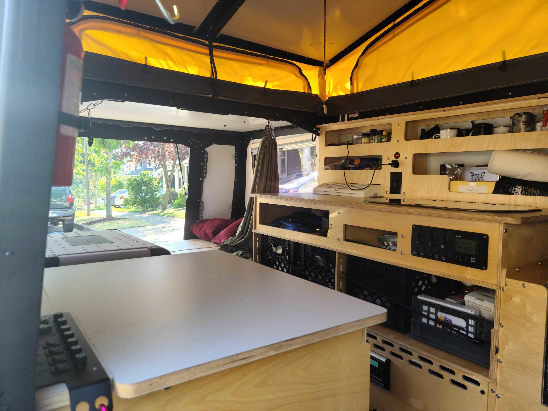 Galley kitchen. Taxa Mantis 2020