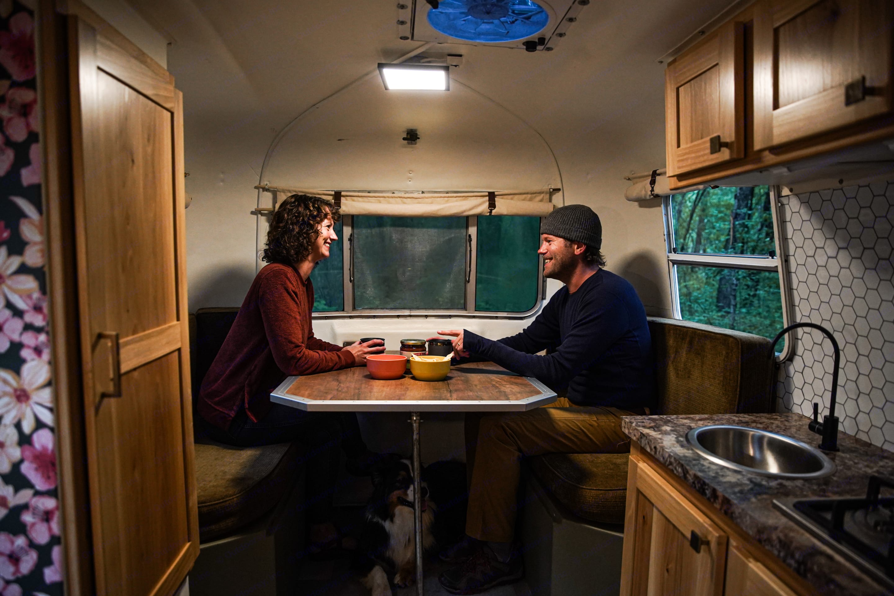 dining space comfortably fits 4. Scamp 13' 1976