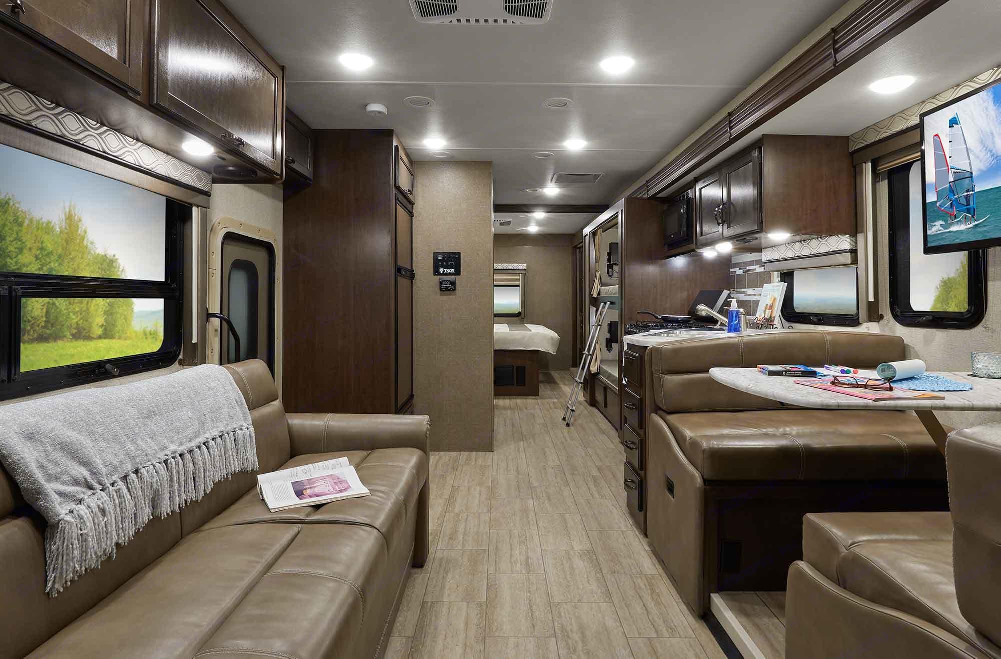 Thor Motor Coach Freedom Traveler A32 2020