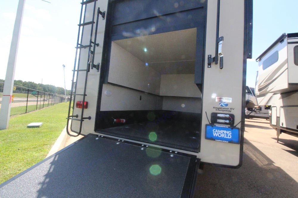 Garage for extra storage. Keystone Montana High Country 2020