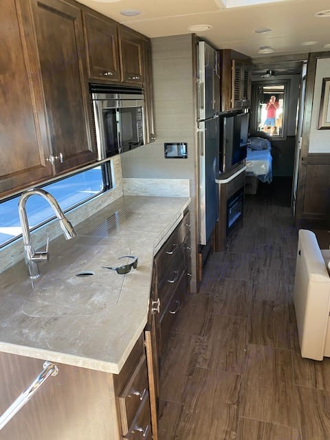 Kitchen area. Tiffin Motorhomes Allegro Open Road 2020