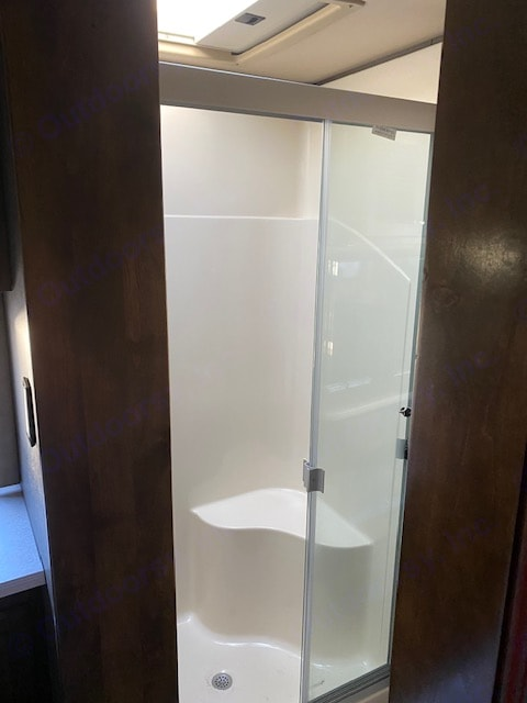 Inside shower. Tiffin Motorhomes Allegro Open Road 2020