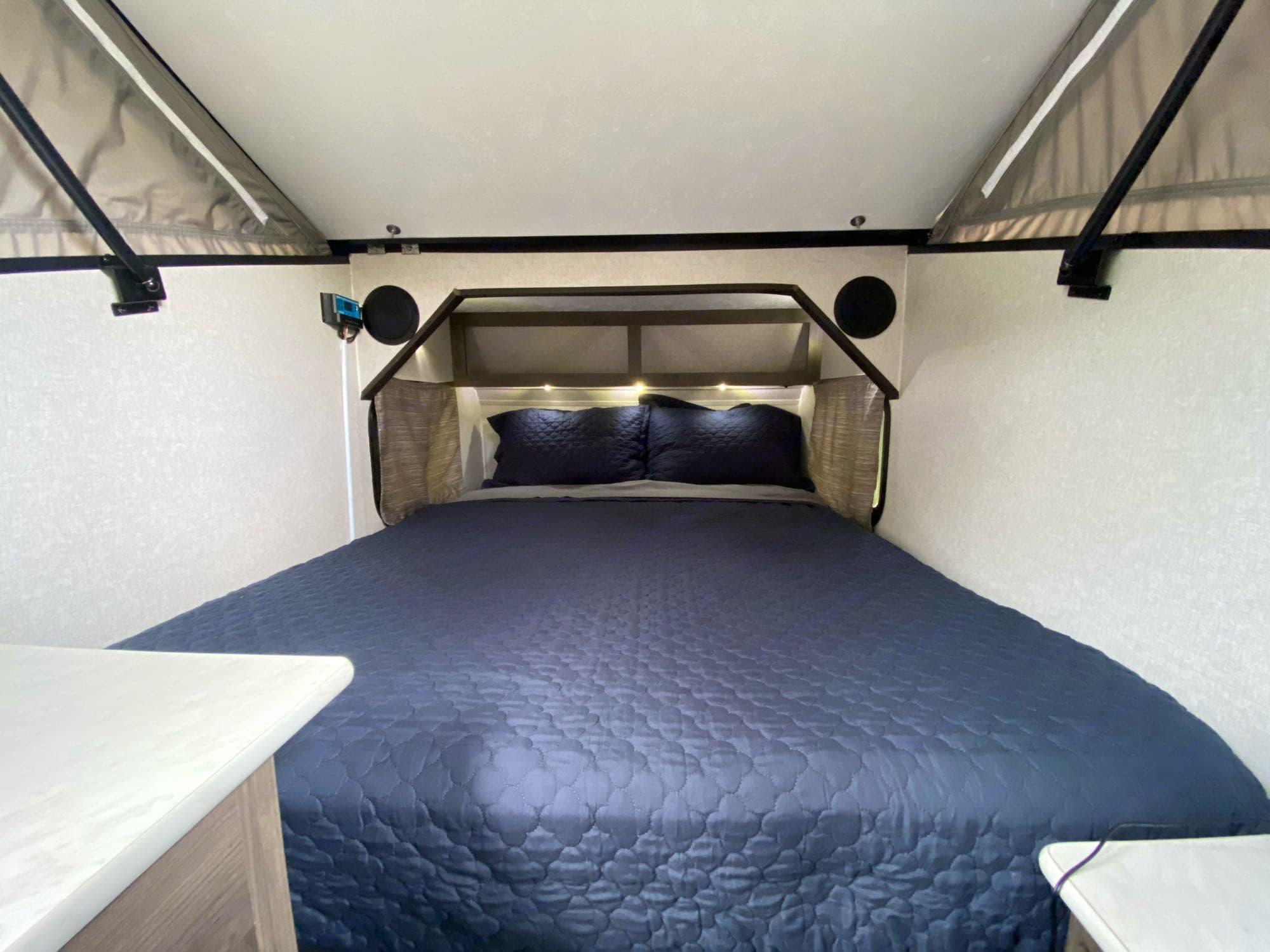KING has a full sized hybrid memory foam/spring mattress. Viking Express 9.0TD 2020