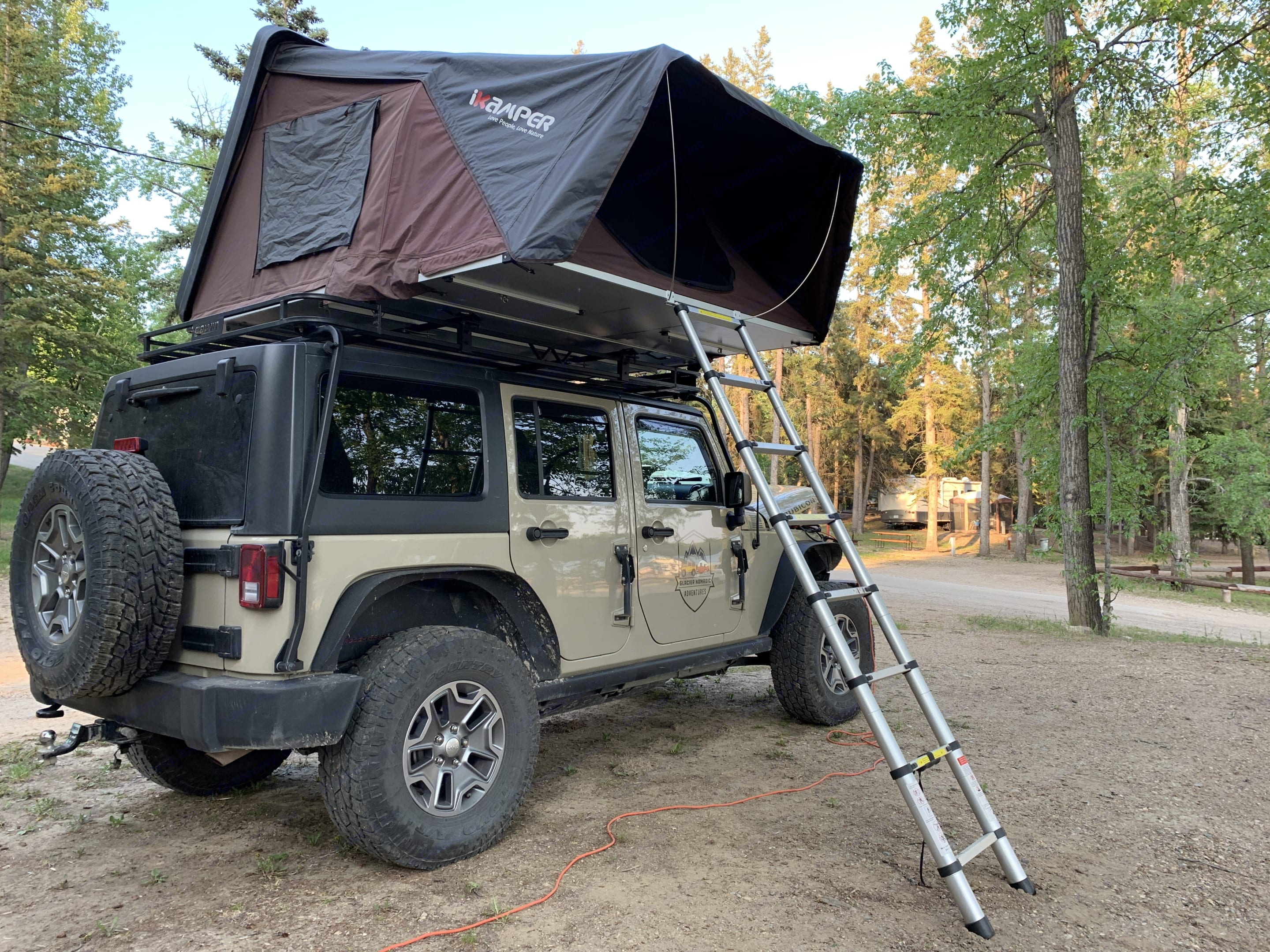 Sleeping for two adults and small child.. Jeep Rubicon 2017