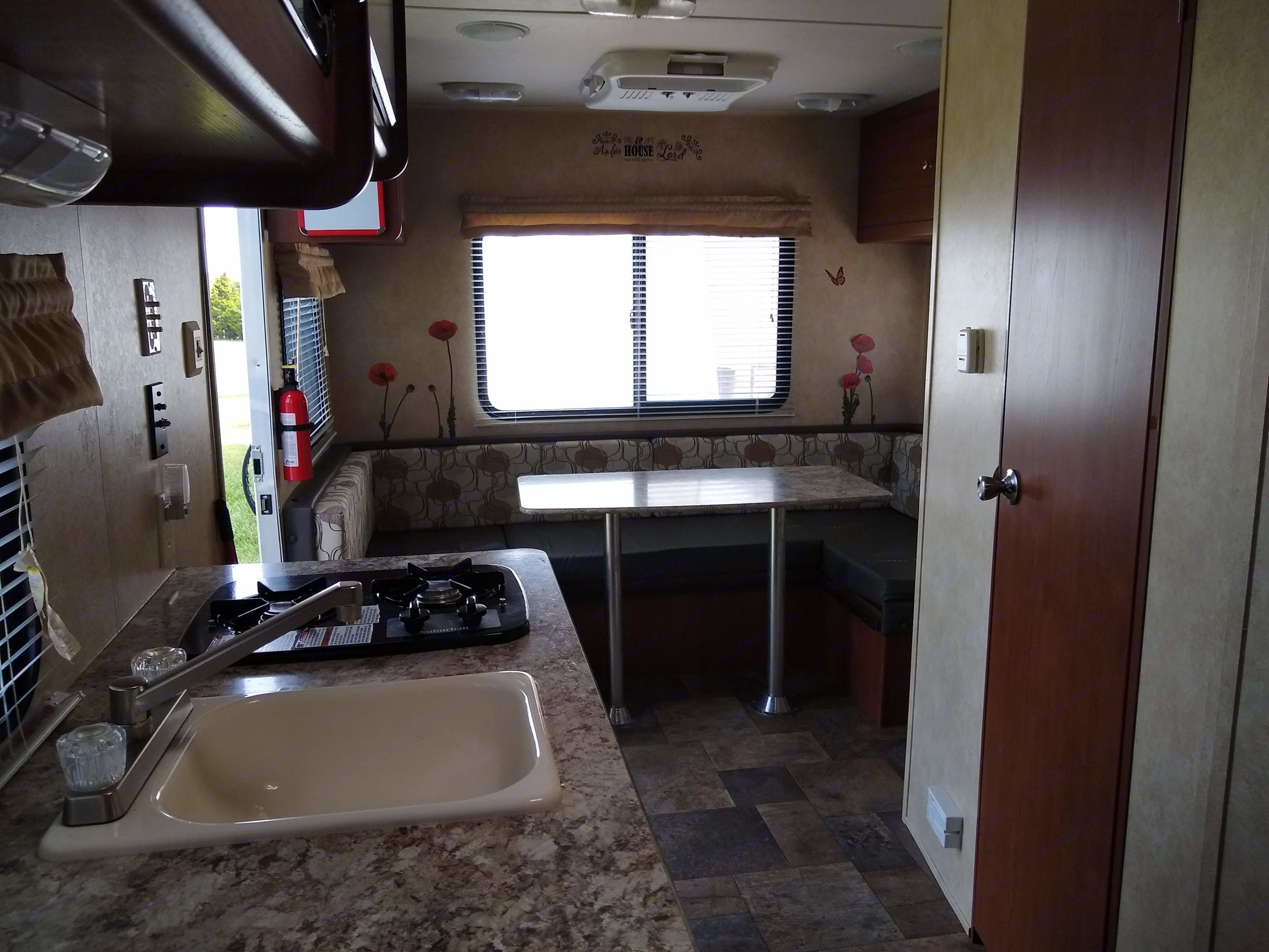 Spacious Dinnette (converts to a bed). Forest River Salem Cruise Lite 2015