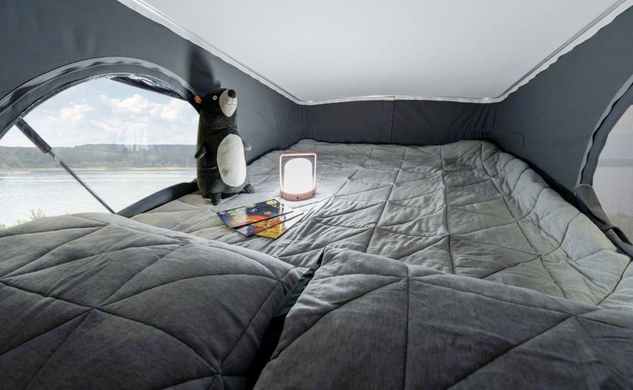 Loft comfortable for two adults. Winnebago Winnebago 2021