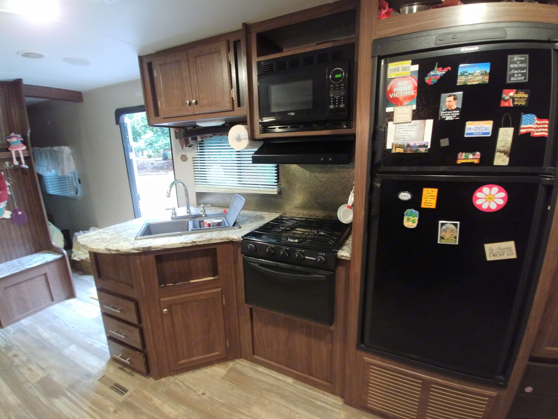 Kitchen Area. Pioneer Bunkhouse 2016