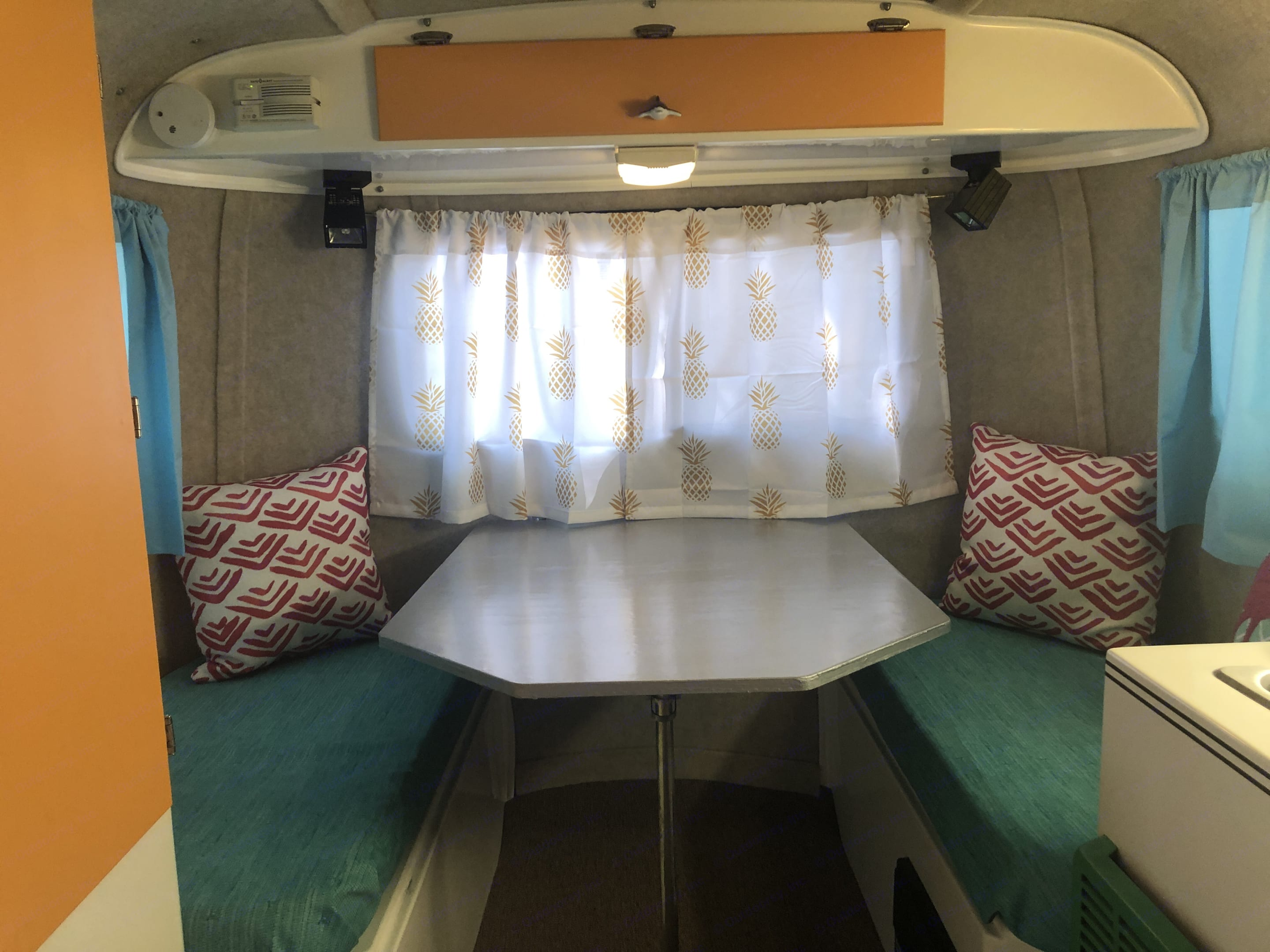 double bed turns into dinette. Scamp 13' 2005