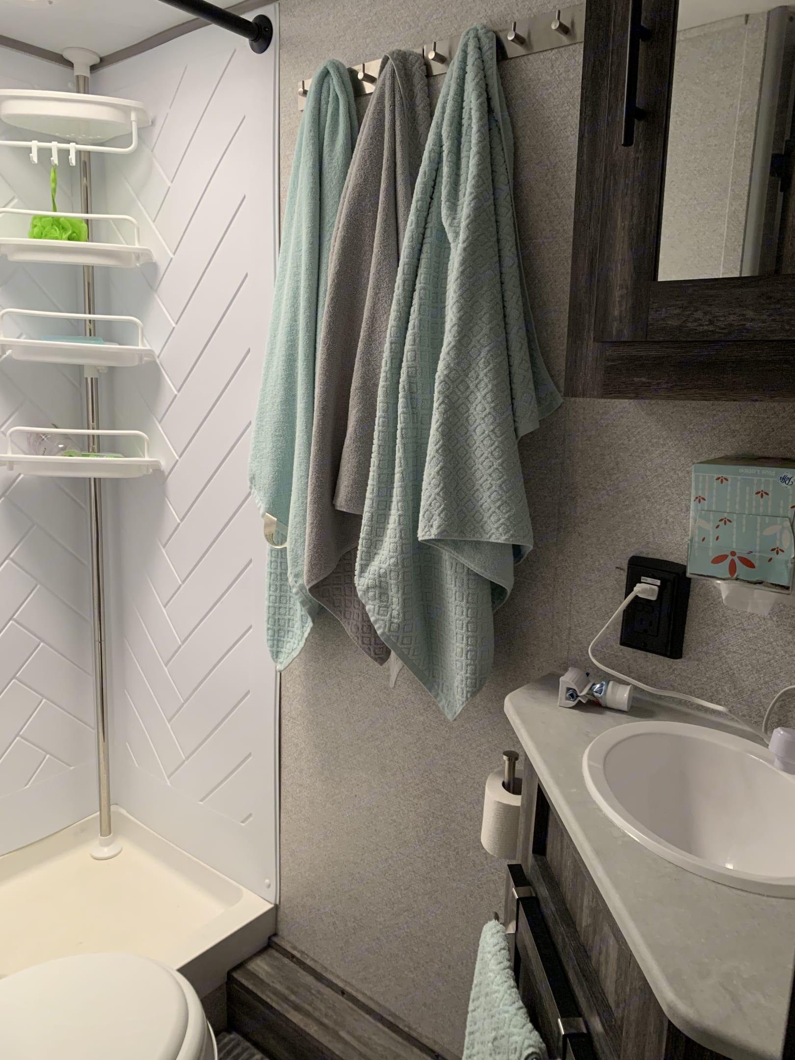 Bathroom. Forest River Wildwood 2021