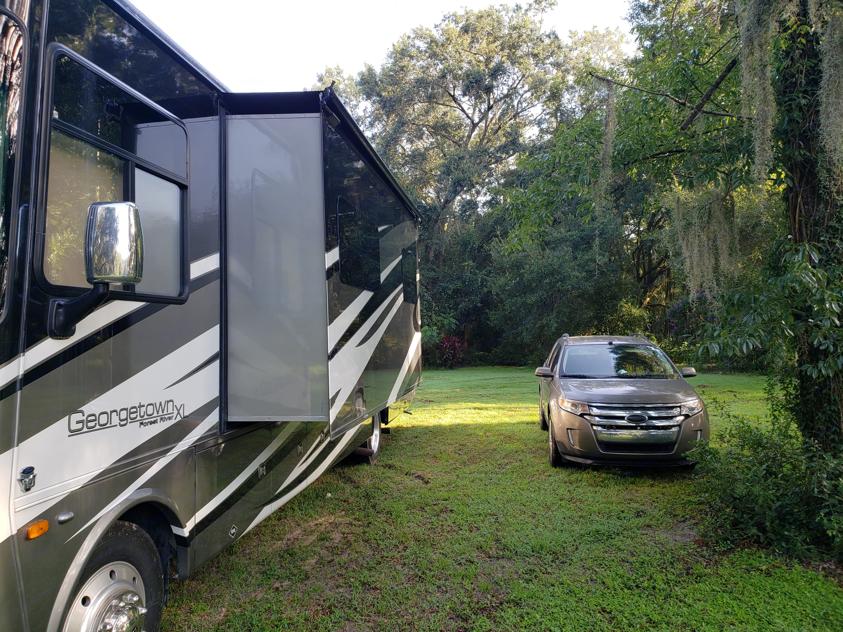 Forest River Georgetown XL377TS 2014