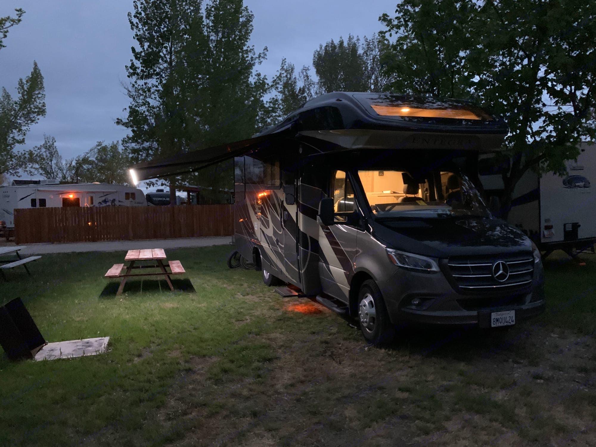 Mercedes-Benz Entegra Qwest 2020 [CUSTOM] 2020