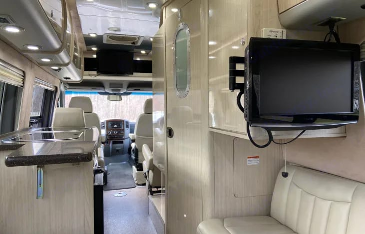 Airstream Interstate 2012