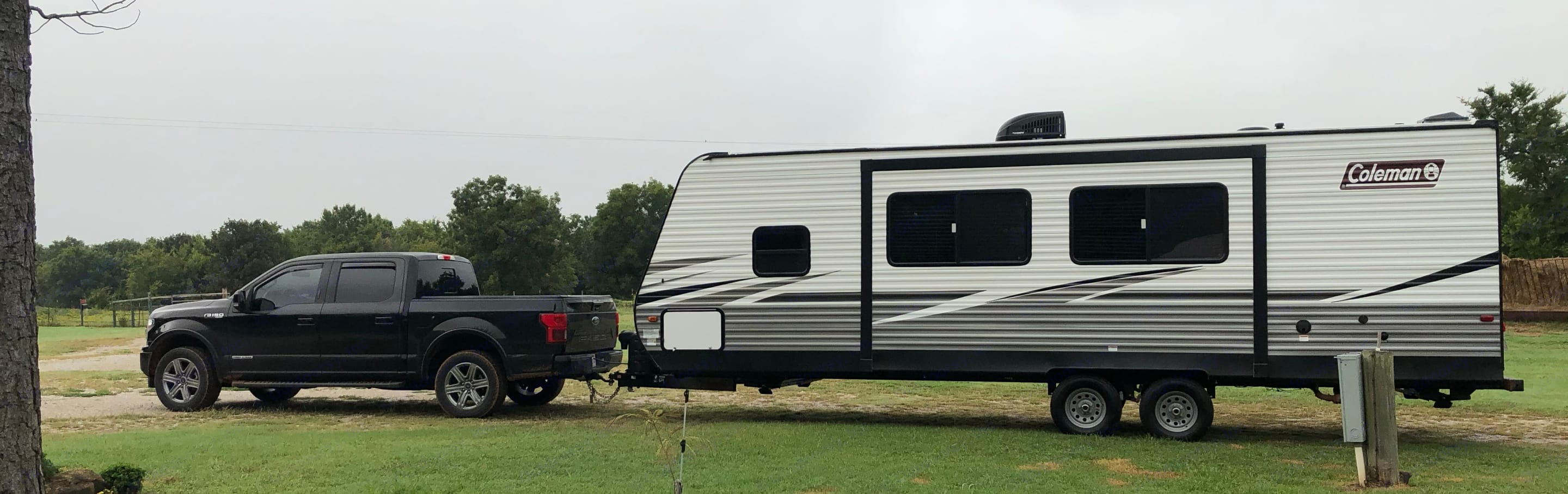 new clean camper tows great with any full size truck/suv. Dutchmen Coleman 2021