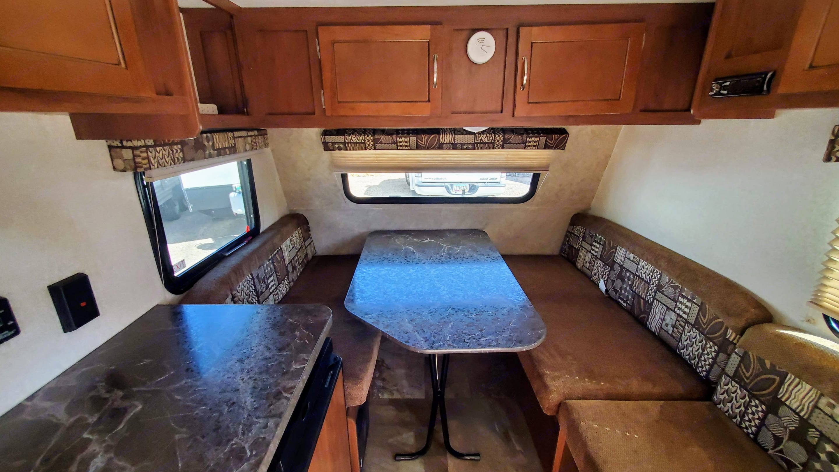 Dining table with lots of natural light. Jayco Jay Flight 2017