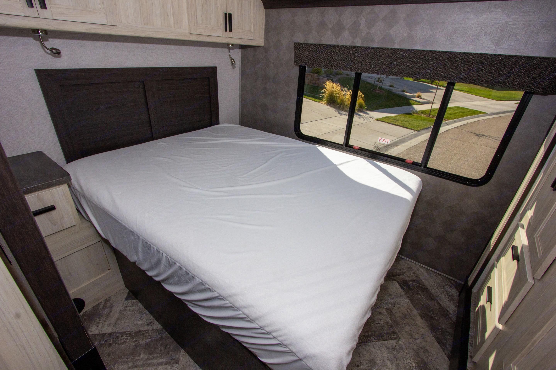 Master Bedroom. Forest River Sunseeker 2021