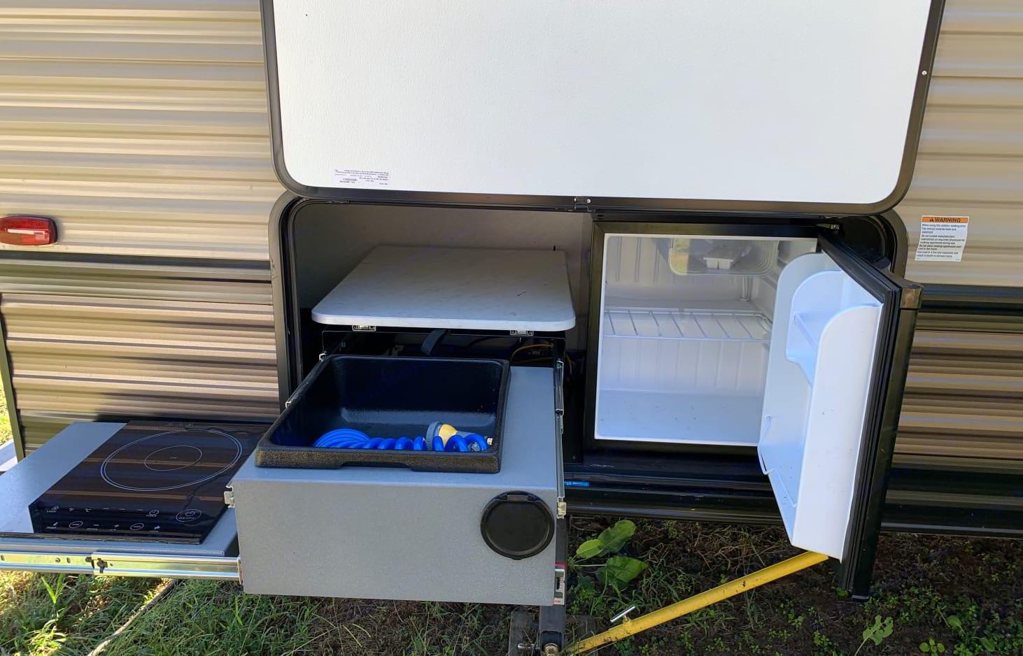 Outdoor kitchen. Forest River Wildwood X-Lite 2020