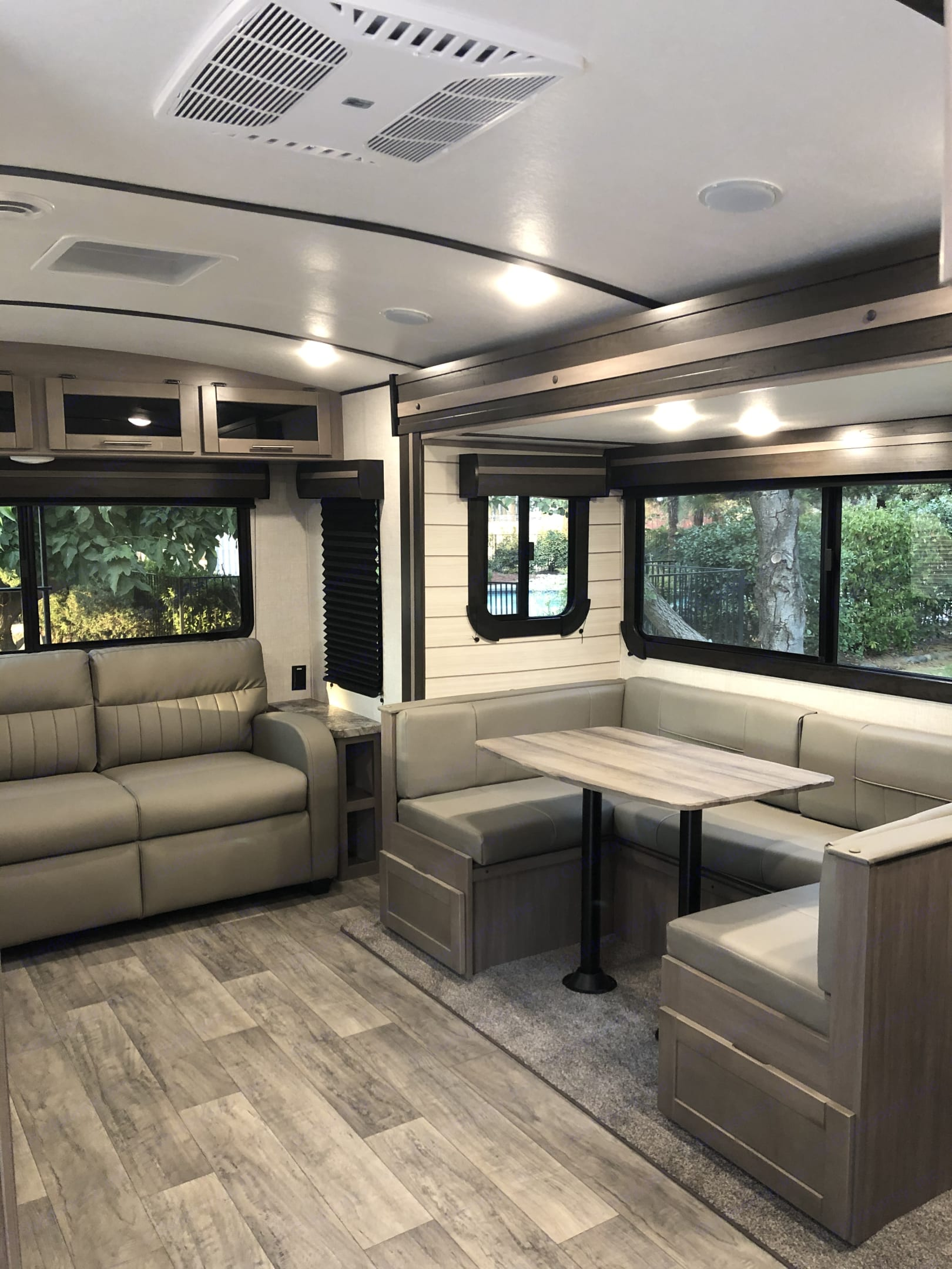 Pull out sofa and dinette. Crossroads Sunset Trail Super Lite 2021