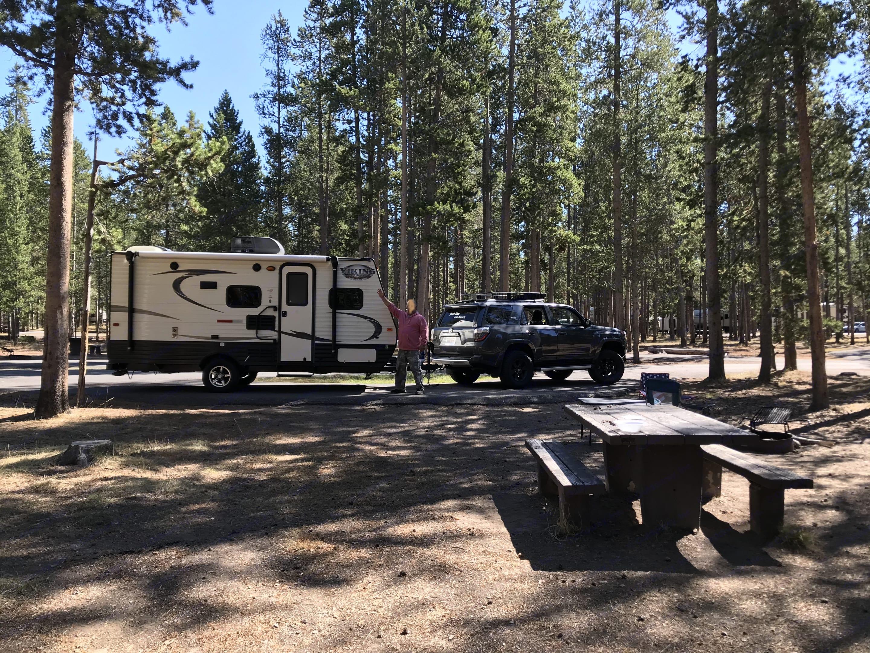 Yellowstone National Park. Coachmen Viking 2017