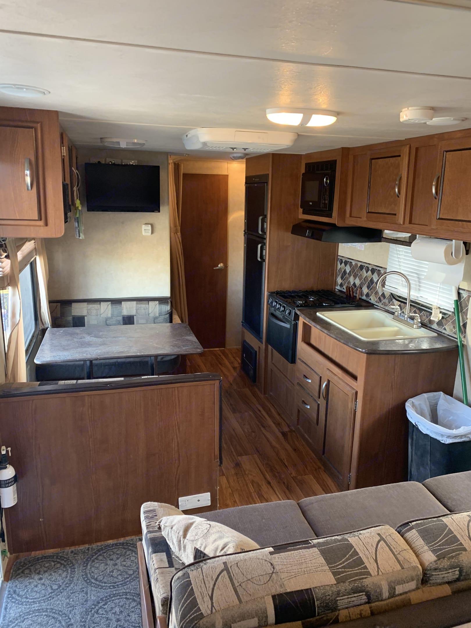 Forest River Inc flagstaff 823D camper trailer 2015