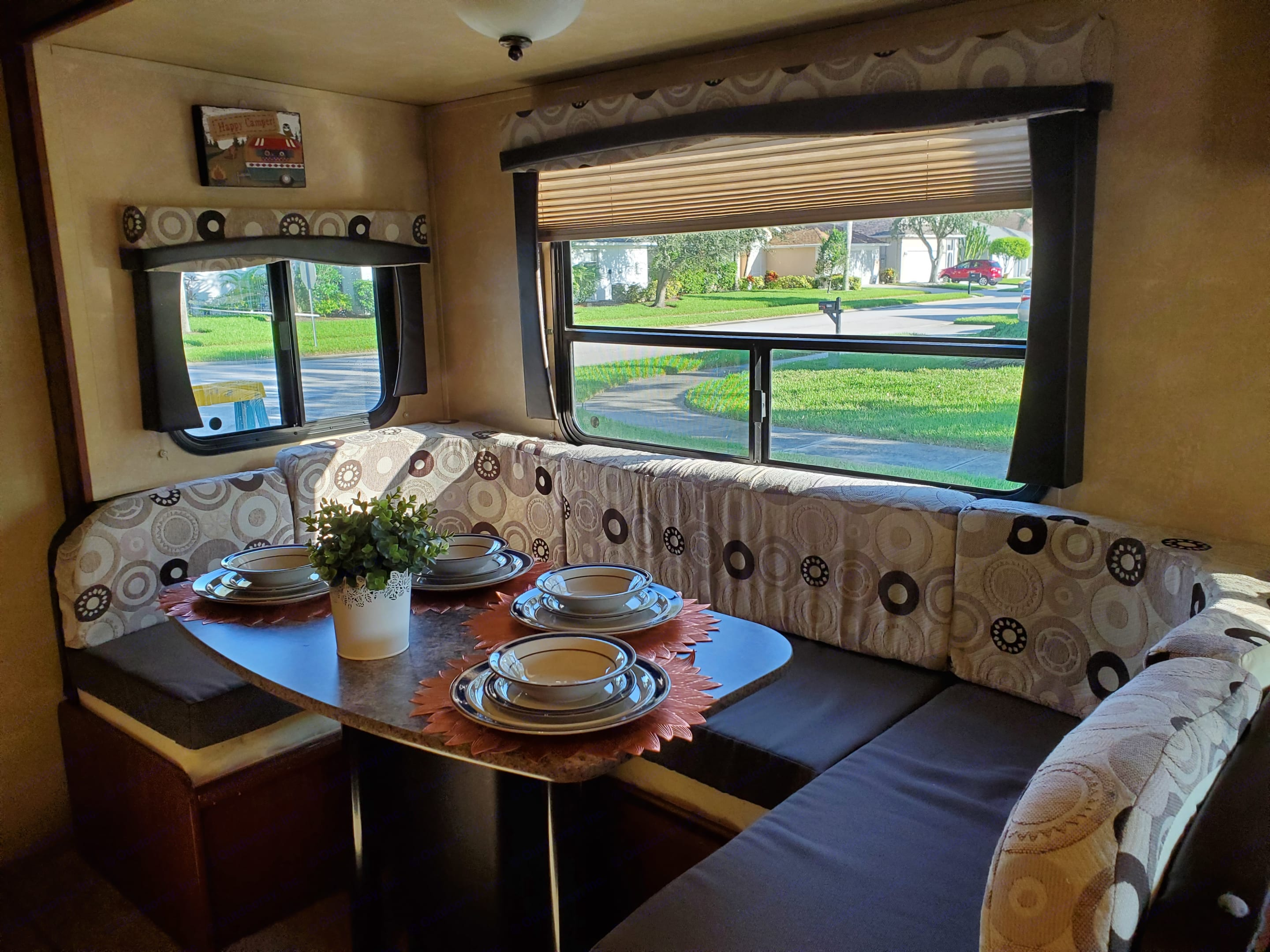 Dining area converts to full bed.. Cruiser Rv Corp Radiance 2013