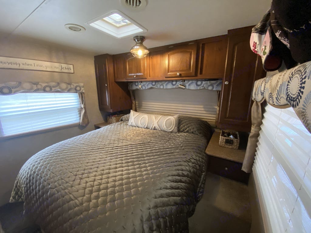 MBR suite with TV and 2 lockable sliding doors. Forest River Rockwood Signature Ultra 2012