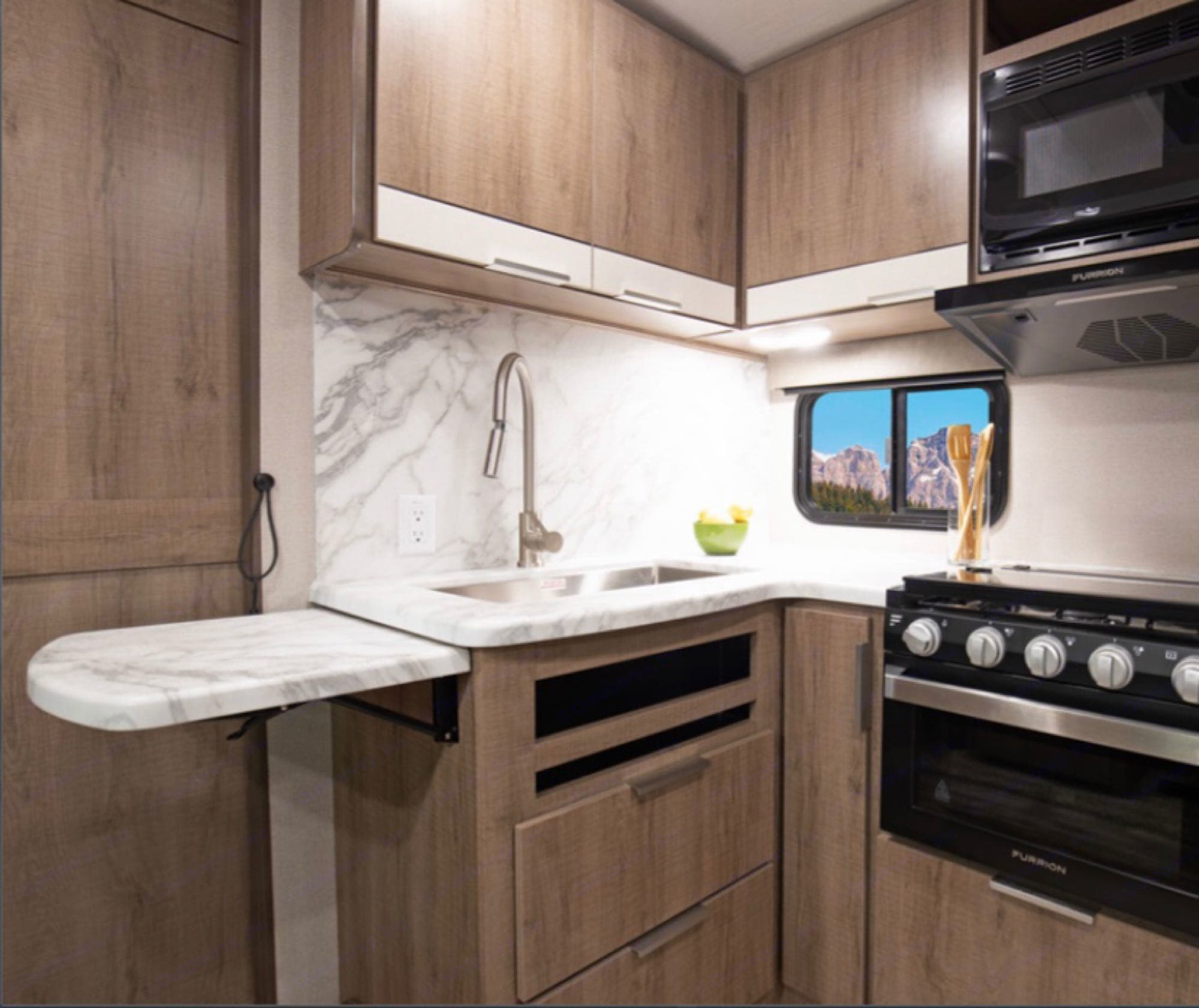 kitchen sink with extra pull out counter space. Grand Design imagine 2020