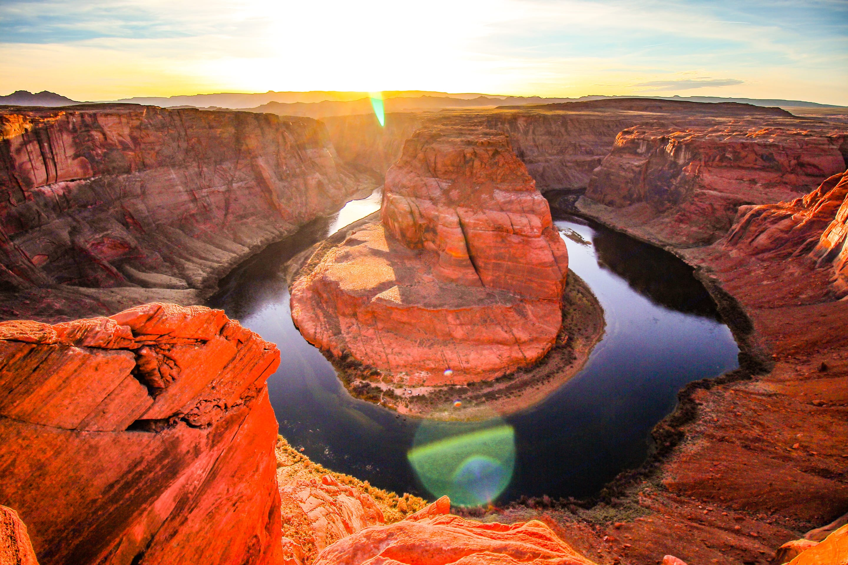 One of our Happy Camper photo hotspot: Horseshoe Bend, Arizona, just outside of Page, AZ. Ford Campervan Expedition Adventure 4x4 Camper Van Conversion 2005