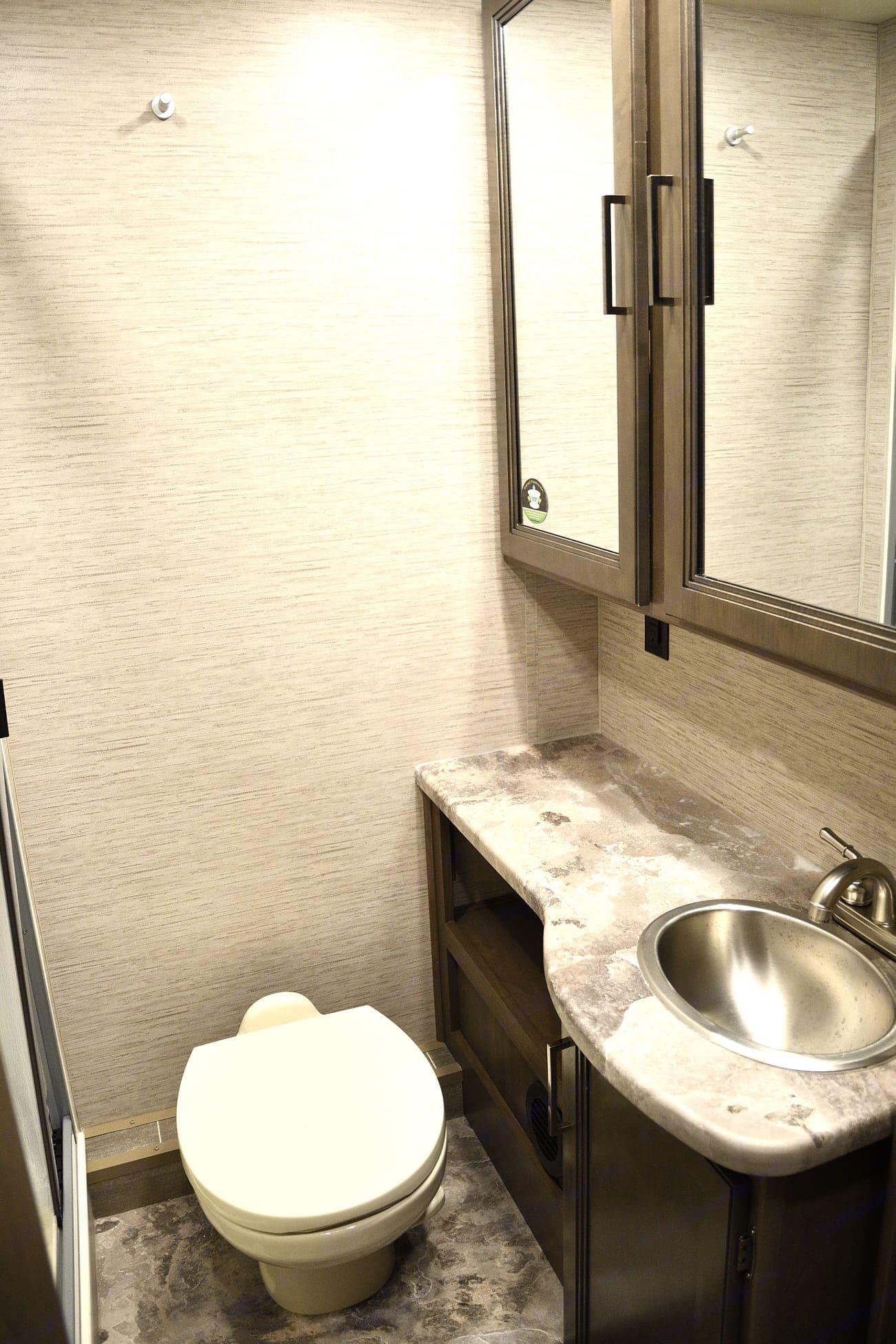 Bathroom. Thor Motor Coach Chateau 2021