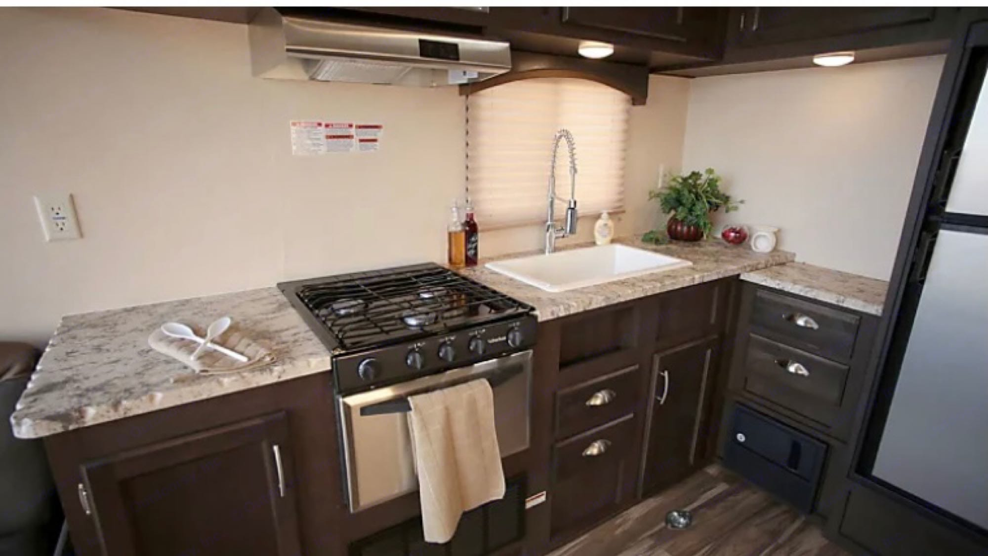 Beautiful kitchenette. Forest River Stealth 2018