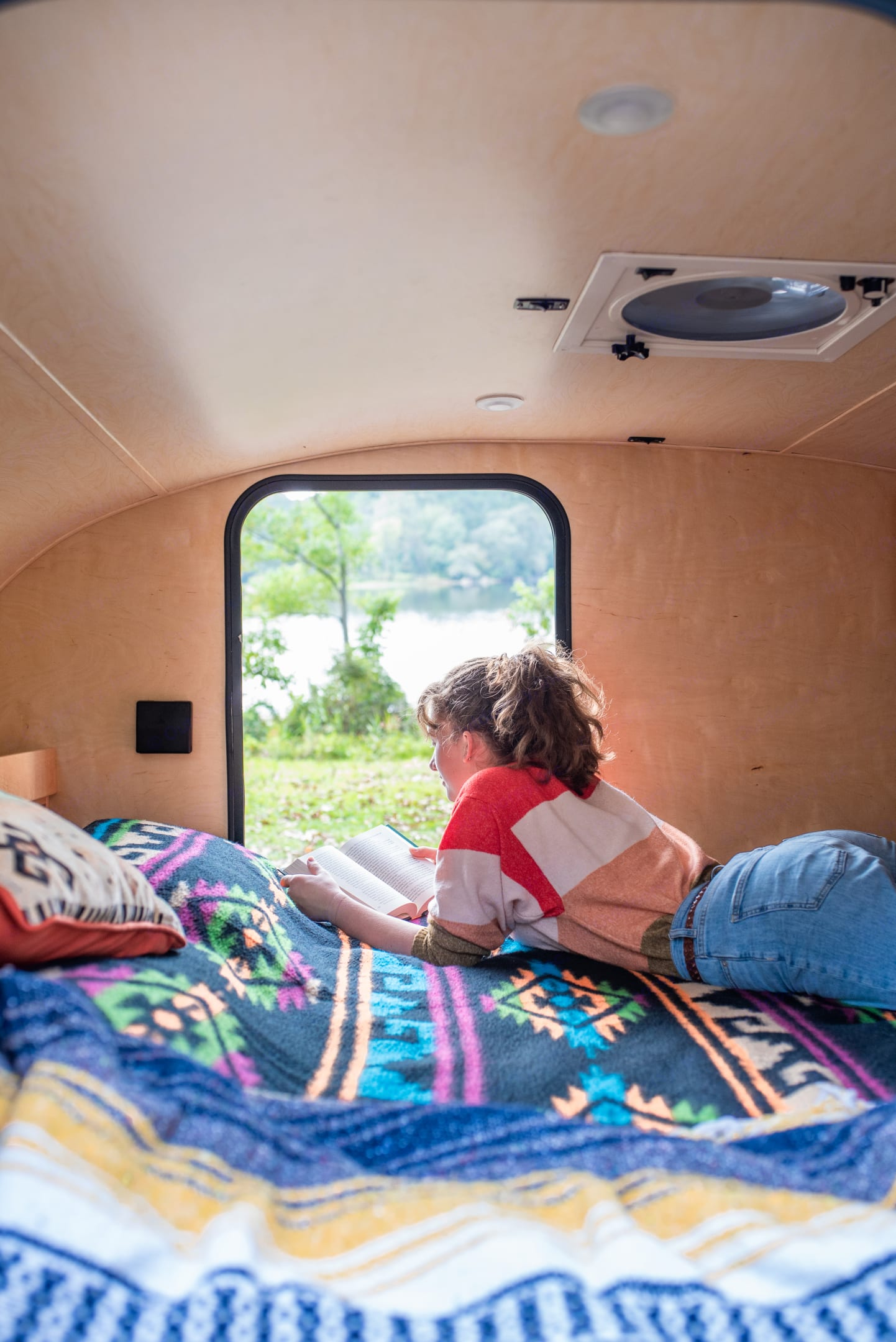 King size bed with a view. Little Guy Silver Shadow 2013