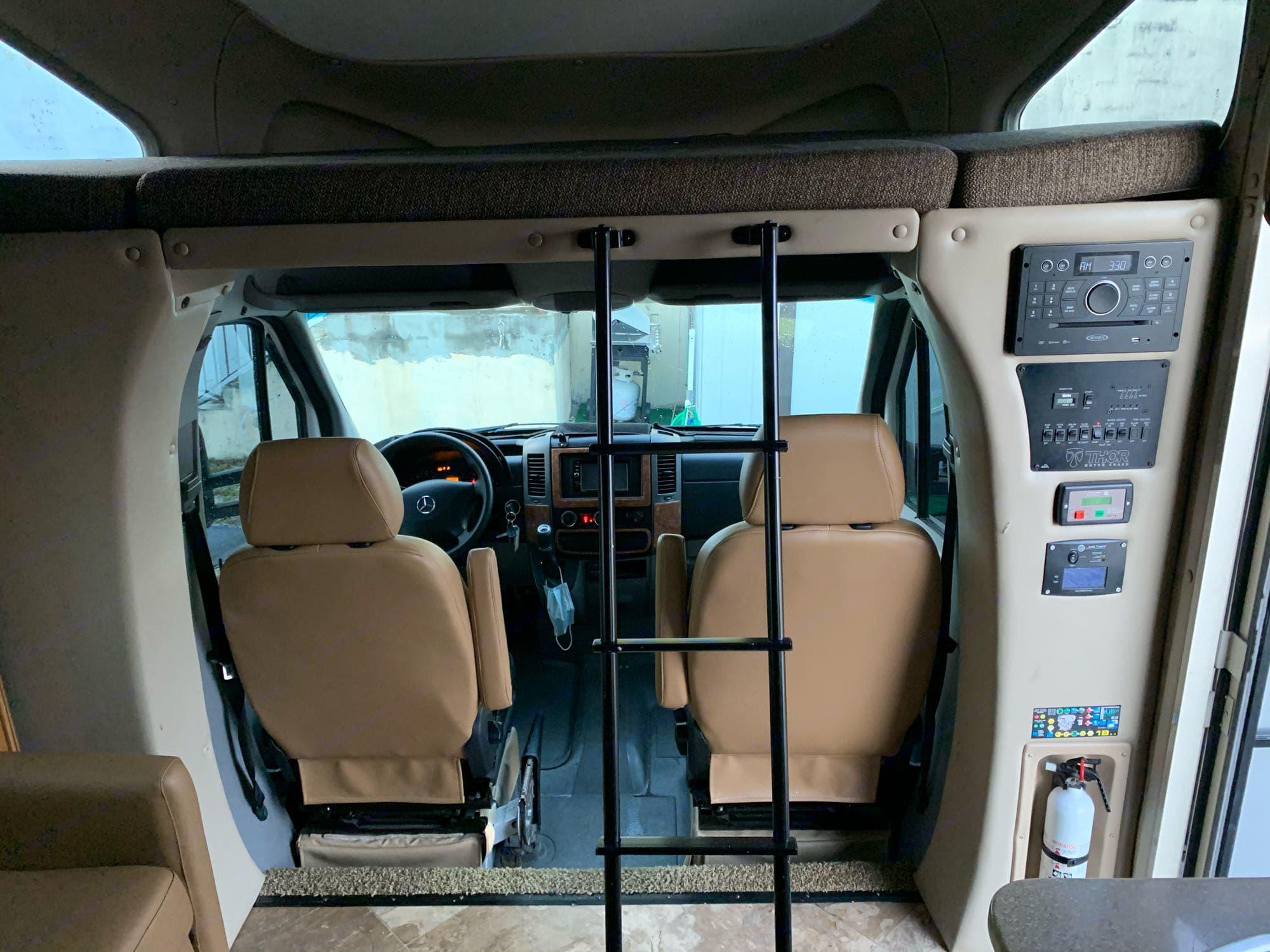 Thor Motor Coach Citation 2016