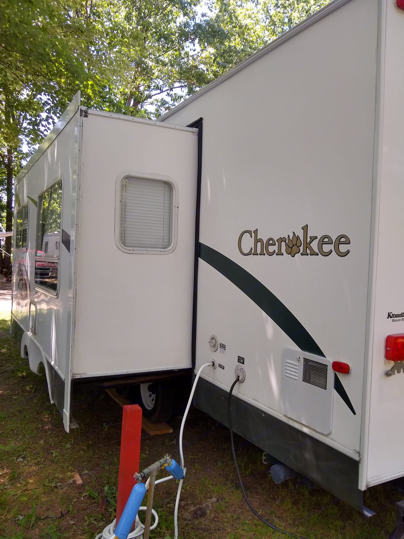 Forest River Cherokee 2004