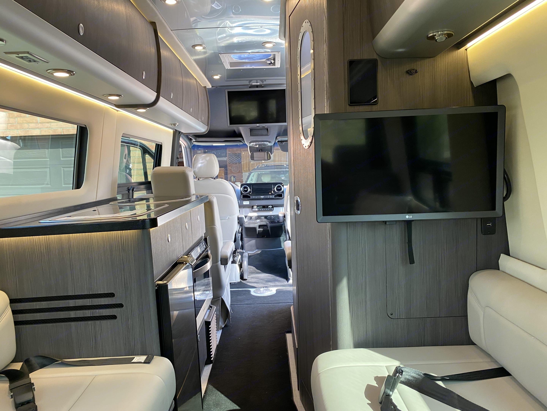 Airstream Interstate Lounge 2020