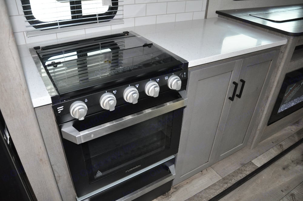 Stove/oven. Keystone Outback 2021