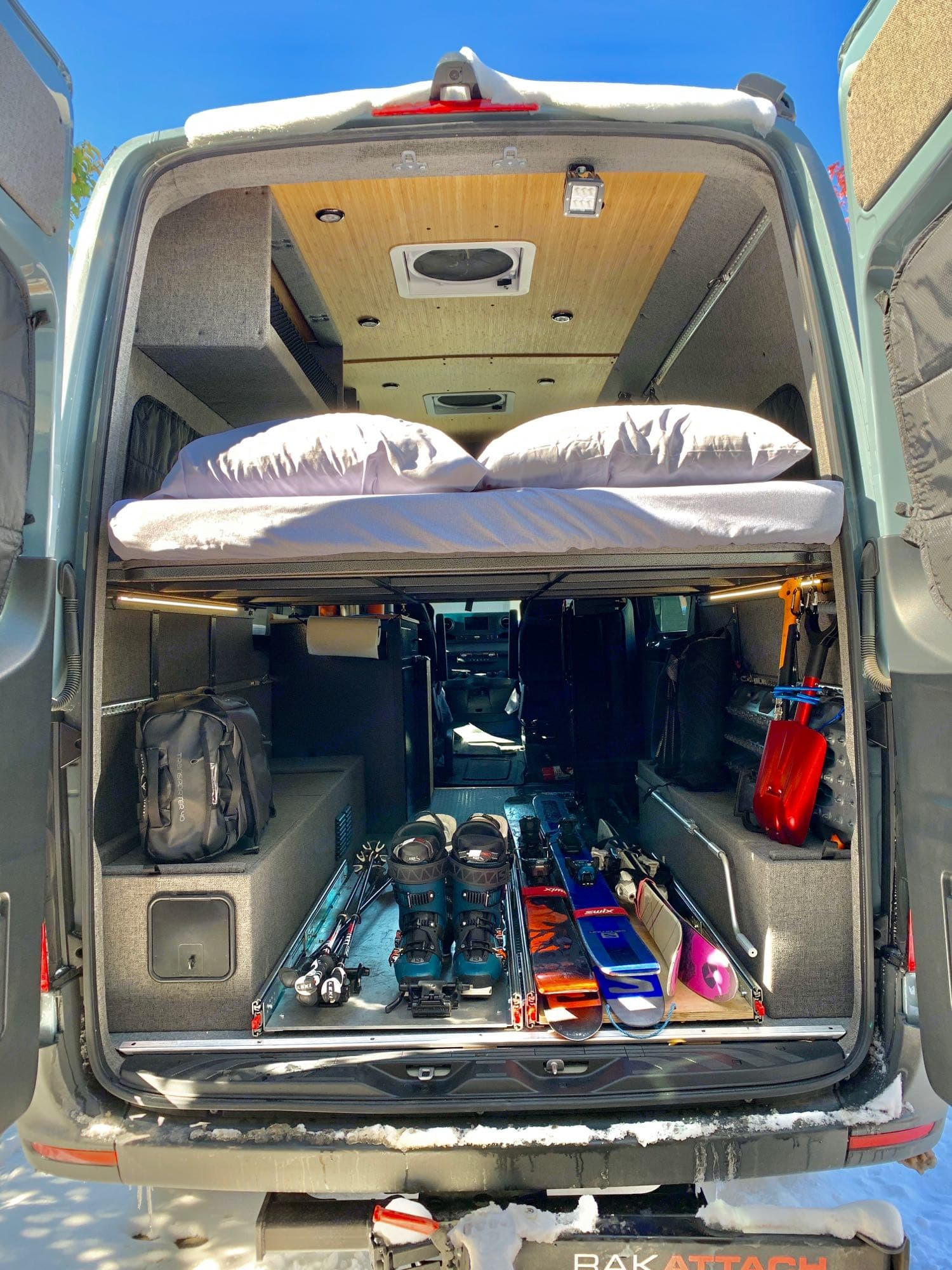ample room for skis, boards, and winter gear. Mercedes-Benz Sprinter 4x4 315CDI MWB 2020