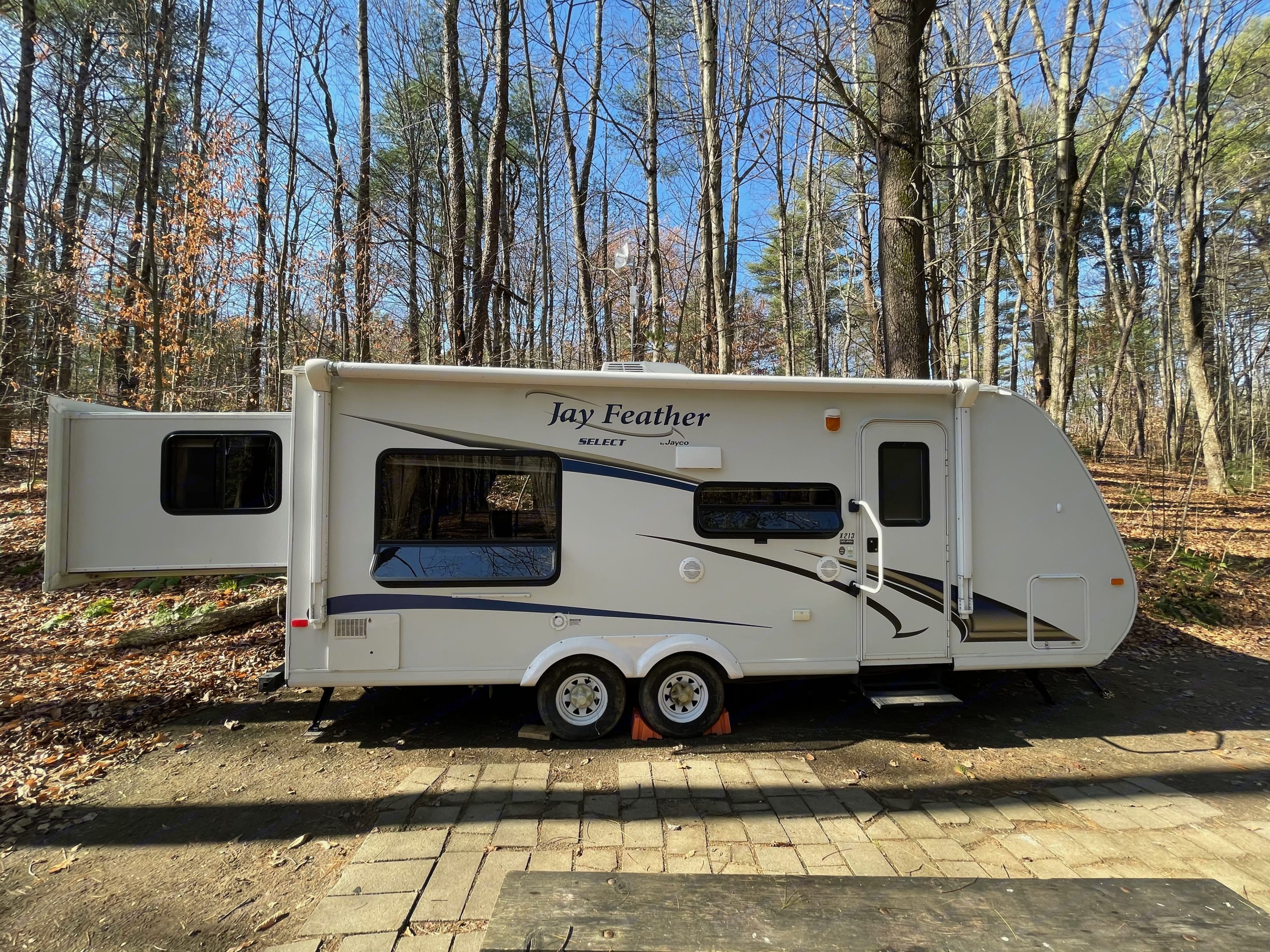 Ready for your camping enjoyment. Jayco Jay Feather Select 2011
