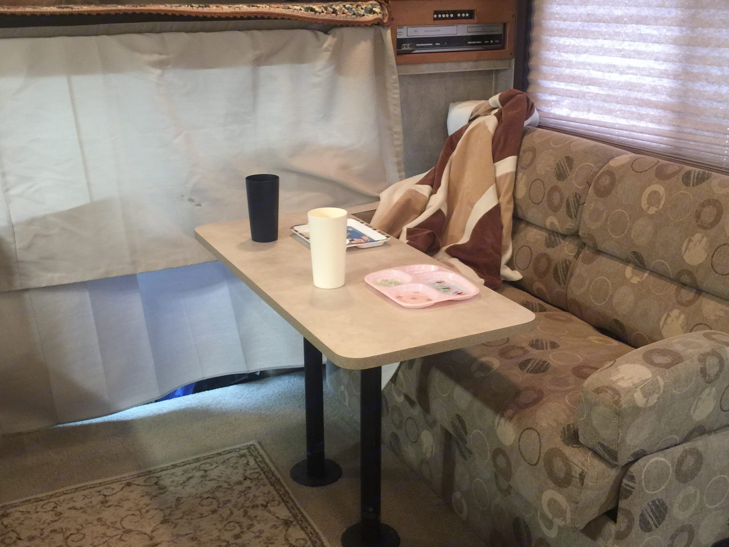 This can be set up in front of the sofa if needed for additional dining space. Fleetwood Tioga 2007