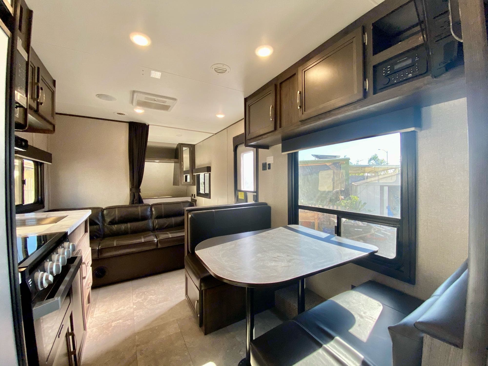 Dinette turns into a bed when converted. It's great for kids, not good for over  people taller than 6'1''  or over 215lbs.. Jayco JayFlight 2020
